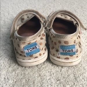 Toms gold polka dot Mary Janes 5